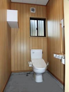 H様 屋外トイレ 室内.jpg